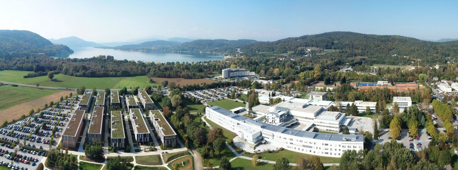 Alpen-Adria-Universität Klagenfurt und der angrenzende Lakeside Science & Technology Park